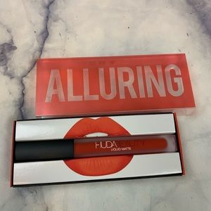 Huda Beauty Liquid Lipstick in Alluring